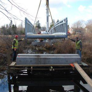 Placing the Bissett Bridge