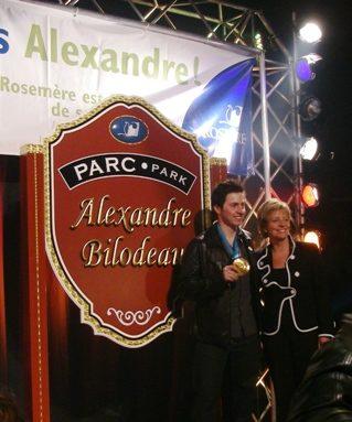 Alexandre Bilodeau avec Hélène Daneault, la mairesse de Rosemère