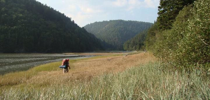 WEBAlonzo-Leger-hiking_NB-volunteer
