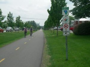 À vélo au Parc linéaire des Bois-Francs