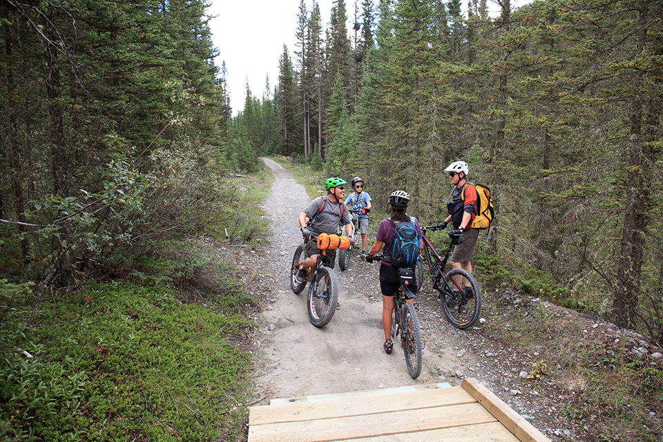 fellow-bikers-on-trail_Crop