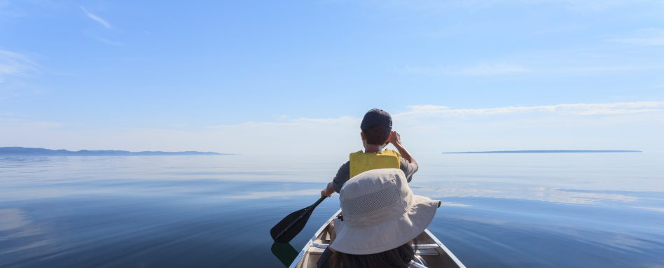 Image of canoeing on Lake Superior Ontario - the Great Trail