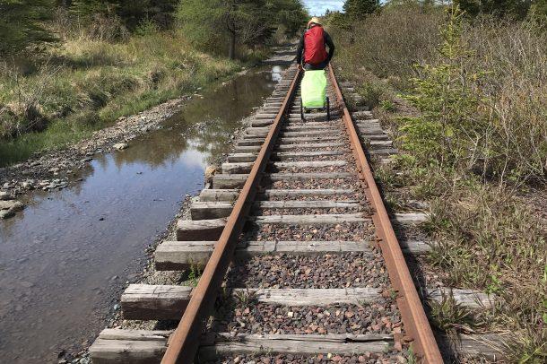 La voie ferrée est le ruban qui nous relie au passé dans chaque province canadienne qui est la topogénie /?\ The railway is the ribbon connecting us to the past in each Canadian Provinces that is topogeny